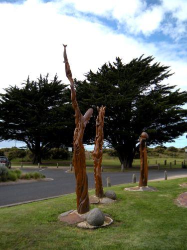 A closer view of sculptures.