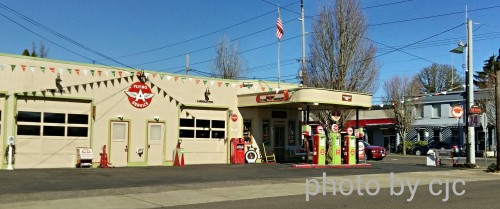 Vintage service station in Milwaukie, Oregon