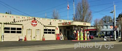 Vintage service station in Milwaukie, Oregon